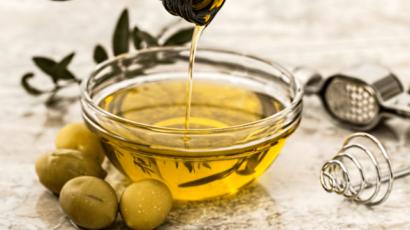 जैतून के तेल के 11  फायदे (11 benefits of Olive Oil)