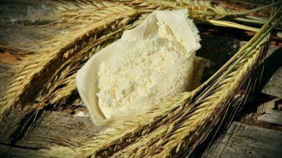 जौ खाने के फायदे और नुकसान – पोषक तत्वों से भरपूर है जौ