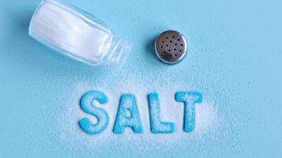 नमक खाने के फायदे और नुकसान