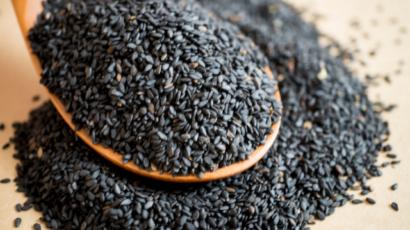 काले तिल के फायदे और नुकसान – Black Sesame