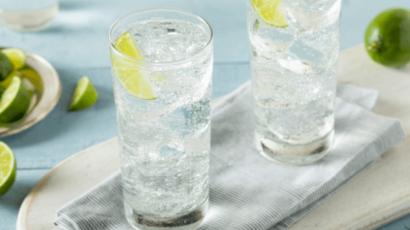 सोडा पानी पीने के फायदे और नुकसान – Soda Water Benefits