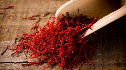 केसर के फायदे और नुकसान – Saffron Benefits