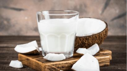 नारियल दूध के फायदे और नुकसान – Coconut Milk Benefits