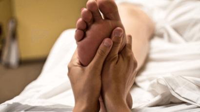 हाथ पैर में जलन के कारण और उपाय