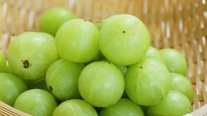 आंवला खाने के फायदे और नुकसान – Amla