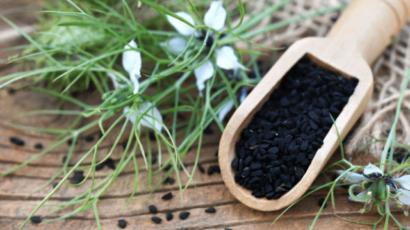 कलौंजी के फायदे और नुकसान – Kalonji (Nigella Seeds)