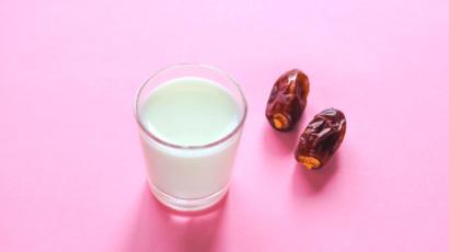 खजूर और दूध के फायदे और नुकसान – Dates and Milk