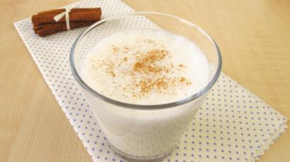 दालचीनी दूध के फायदे और नुकसान – Cinnamon Milk