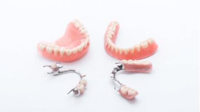 नकली दांत के नुकसान और फायदे – Dentures Loss & Benefits