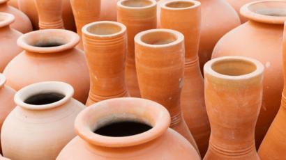 मिट्टी के बर्तन में पानी पीने के फायदे